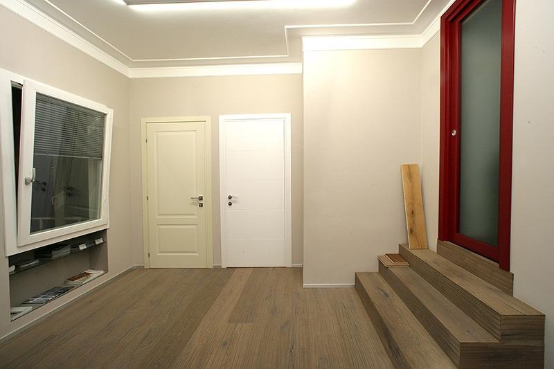 Esposizione porte interne e parquet